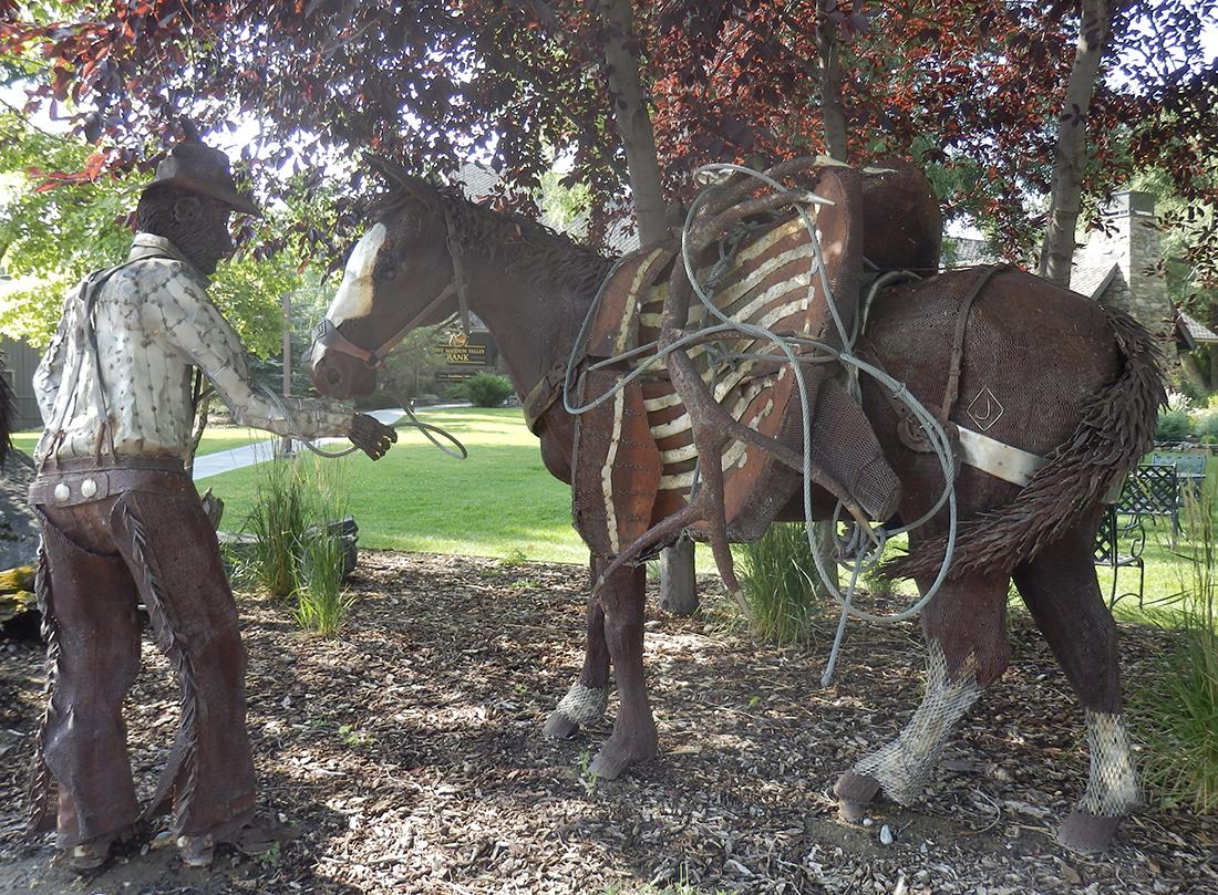 Ennis sculptures