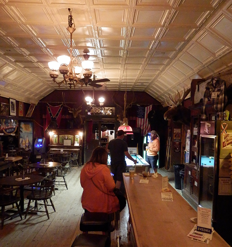 Virginia City saloon