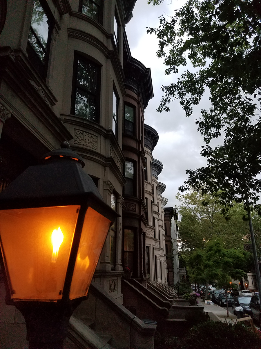 gas lamps in Brooklyn