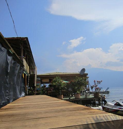 Lake Coatepeque restaurant